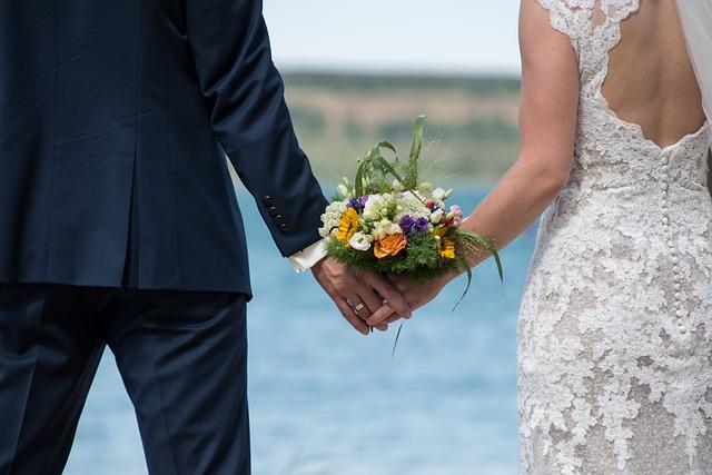 kombinezon na wesele stylizacje